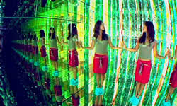 Parallel-Mirrors-Reflect-Infinite-Images.jpg
